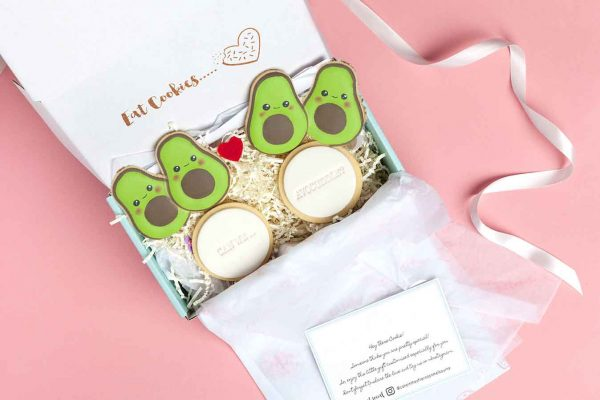 cake-in-the-afternoon-can-we-avocuddle